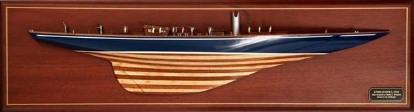 DM-07 Endeavour 1934 Half Model Ship
