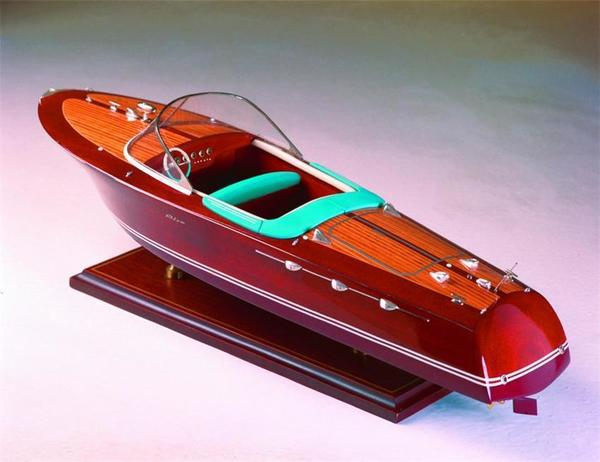 SMM-13 Riva Ariston 1950 Model Ship