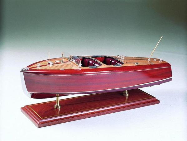 SMM-10 Chris Craft Barrel Back 1940 Model Ship