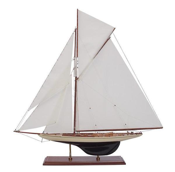 Defender 1895 Model Ship
