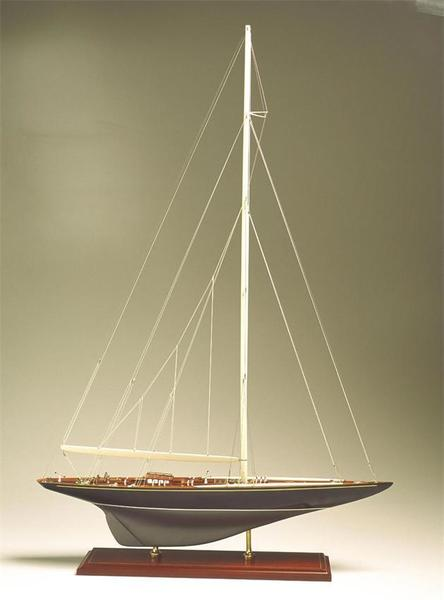 SMA-06 Shamrock V 1930 Model Ship