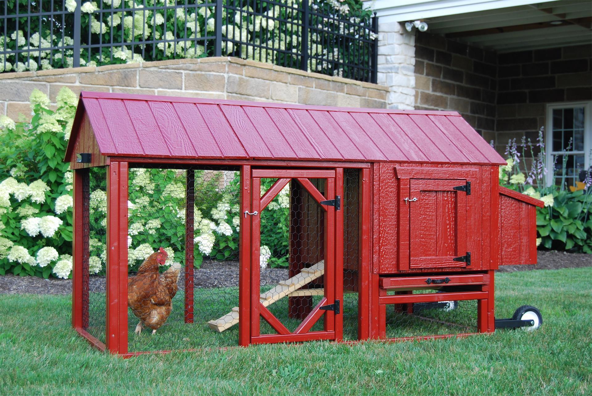 La Credenza Coop : Barn chicken coop │mobile backyard │ eco friendly digs